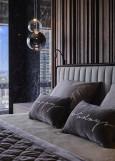 Aranżacja sypialni z lampami w stylu Art Deco