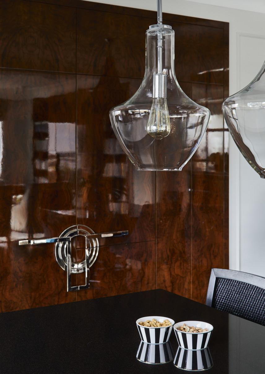 Stylowy salon z designerskim lampami
