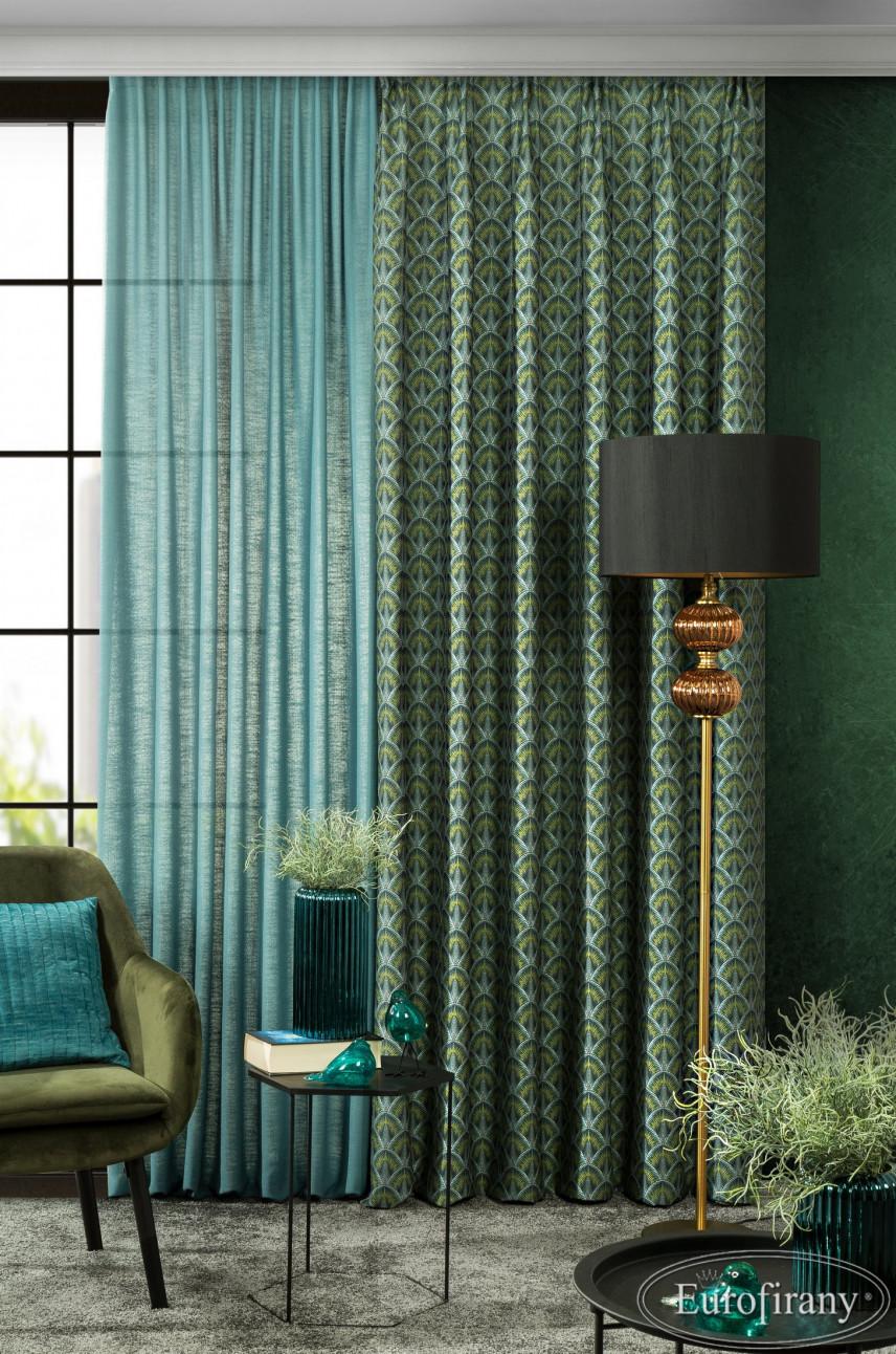 Salon z zielonymi zasłonami