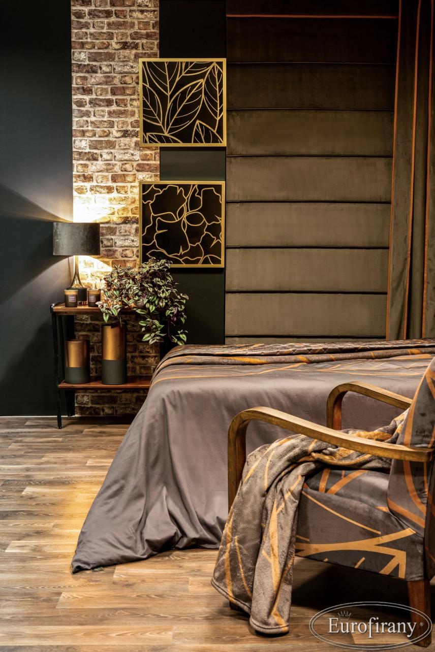 Sypialnia z dodatkami w kolorze złotym