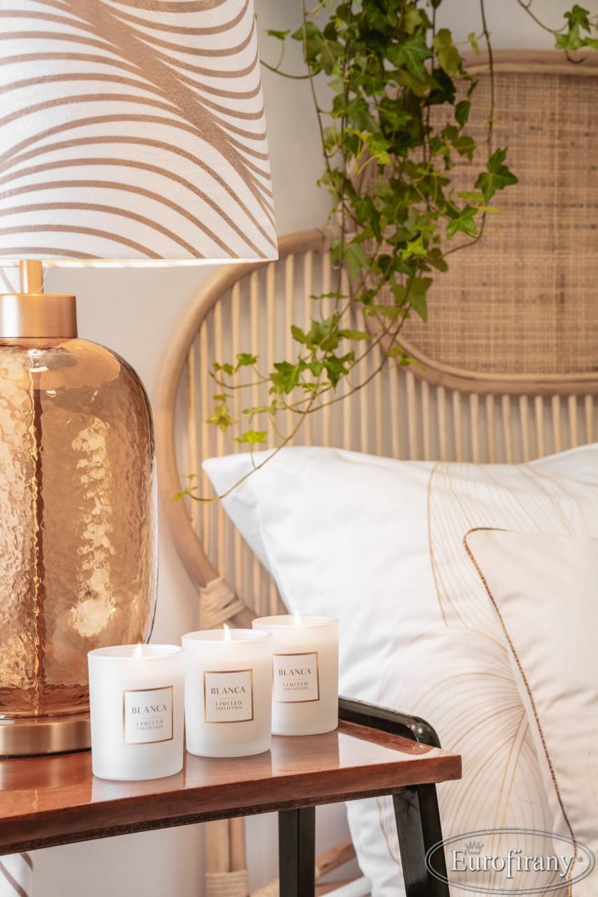 Sypialnia z łóżkiem rattanowym