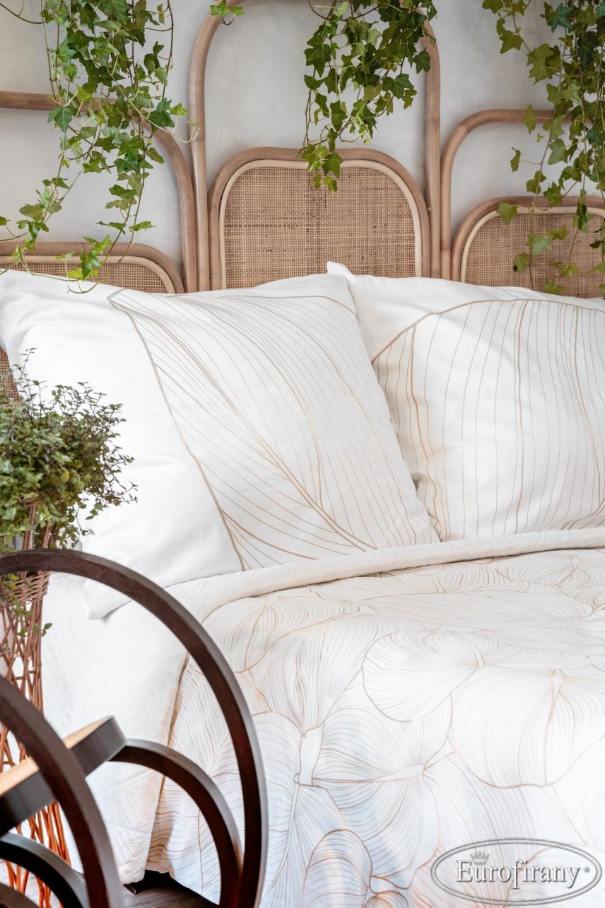 Zagłówek ażurowy w łóżku kontynentalnym w sypialni