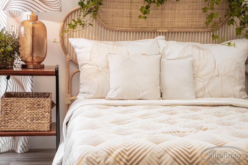 Aranżacja sypialni z rattanowym zagłówkiem