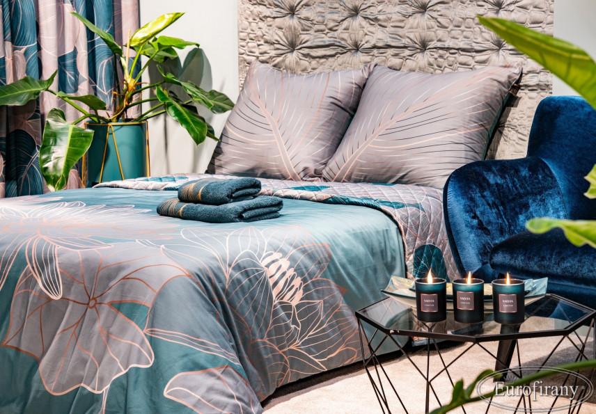 Aranżacja sypialni z satynowymi poduszkami