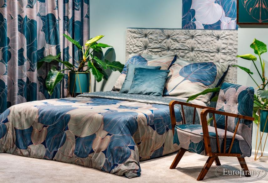 Sypialnia w stylu glamour z motywem roślinnym