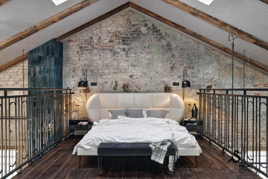 Sypialnia w stylu loft na antresoli