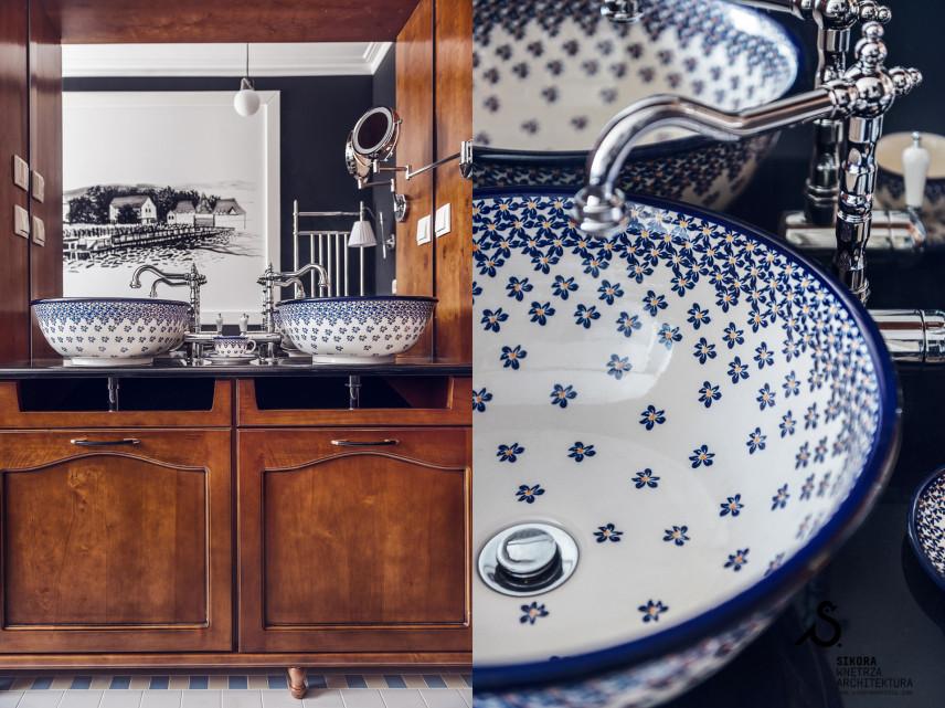 Klasyczna łazienka ze stylowymi umywalkami