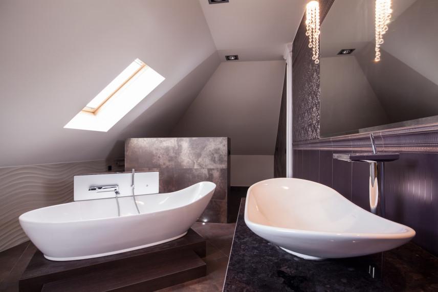 Designerska łazienka na poddaszu