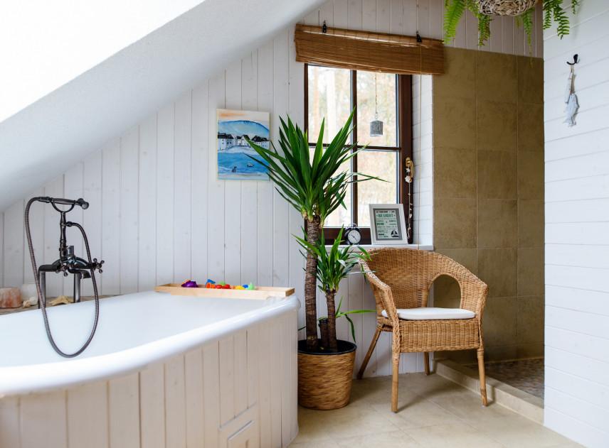 Mała łazienka w rustykalnym stylu