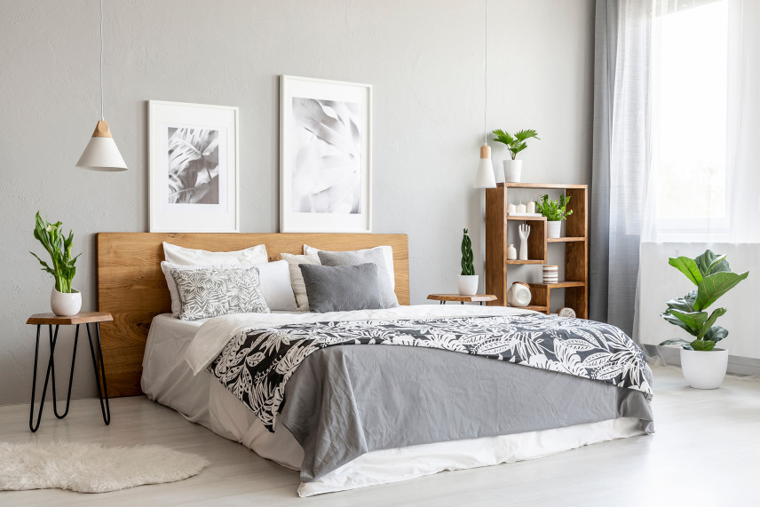 Szara sypialnia w stylu skandynwaskim