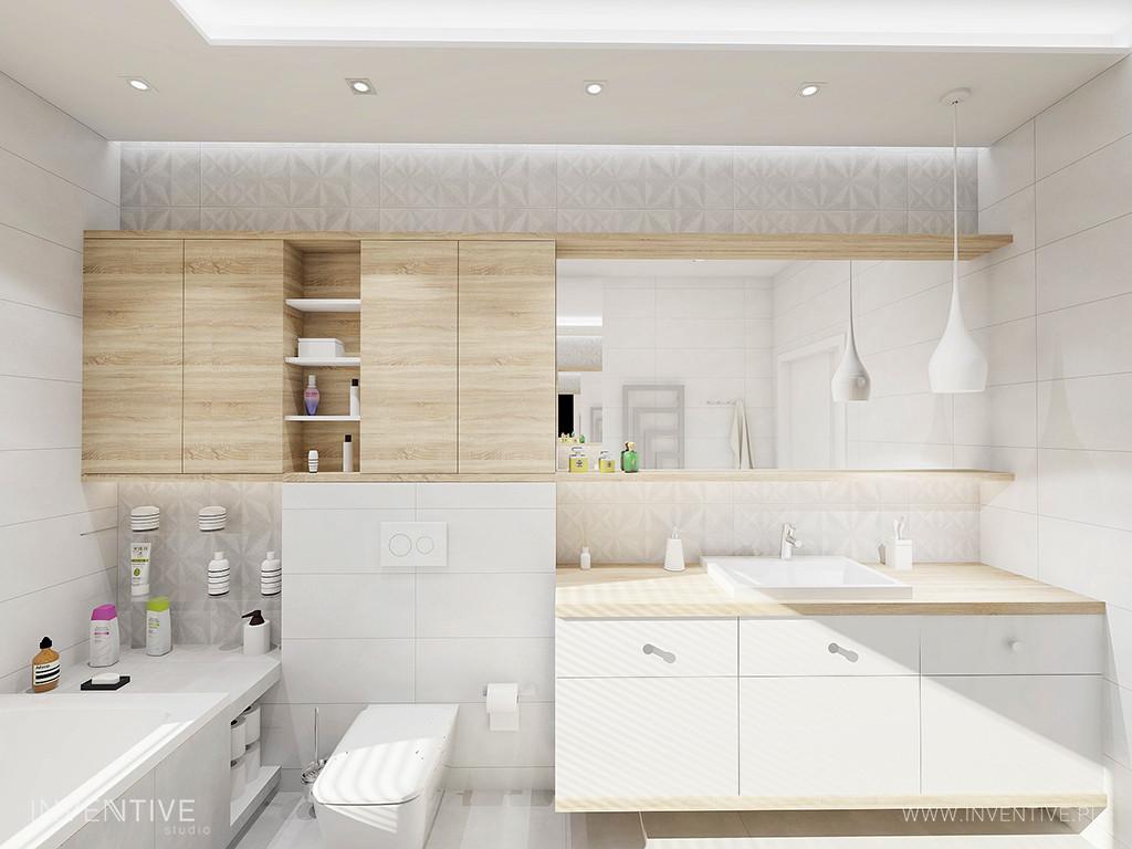 Łazienka z drewnianą szafką zamontowana pod sufitem