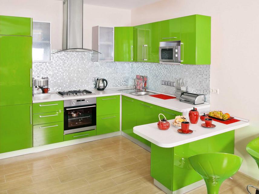 Zielona kuchnia w zabudowie