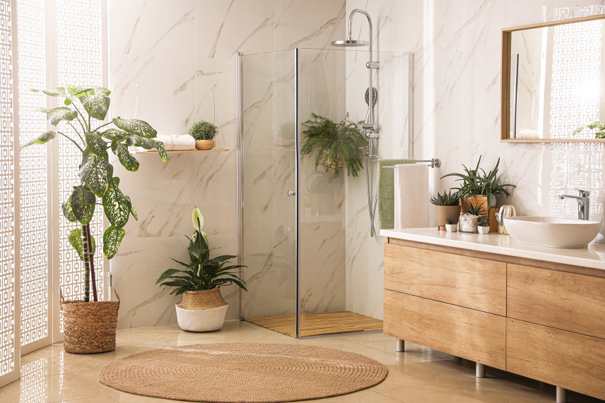 Skandynawska łazienka z kabiną prysznicową